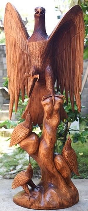 Wooden Eagle With 3 Babies - Suar Wood - 150cm